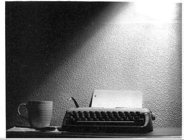 Al guionista novel le falta experiencia, pero le sobra pasión.